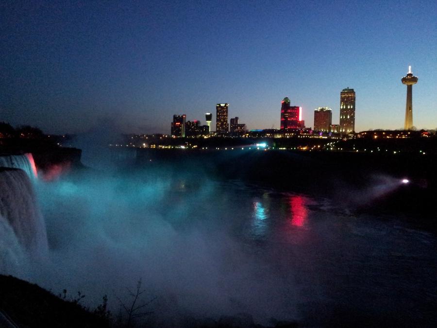 lado canadiense de las cascadas