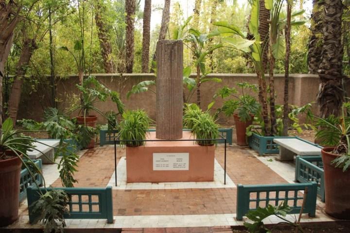 Monumento en recuerdo de Yves Saint Laurent en sus jardines de Marrakech