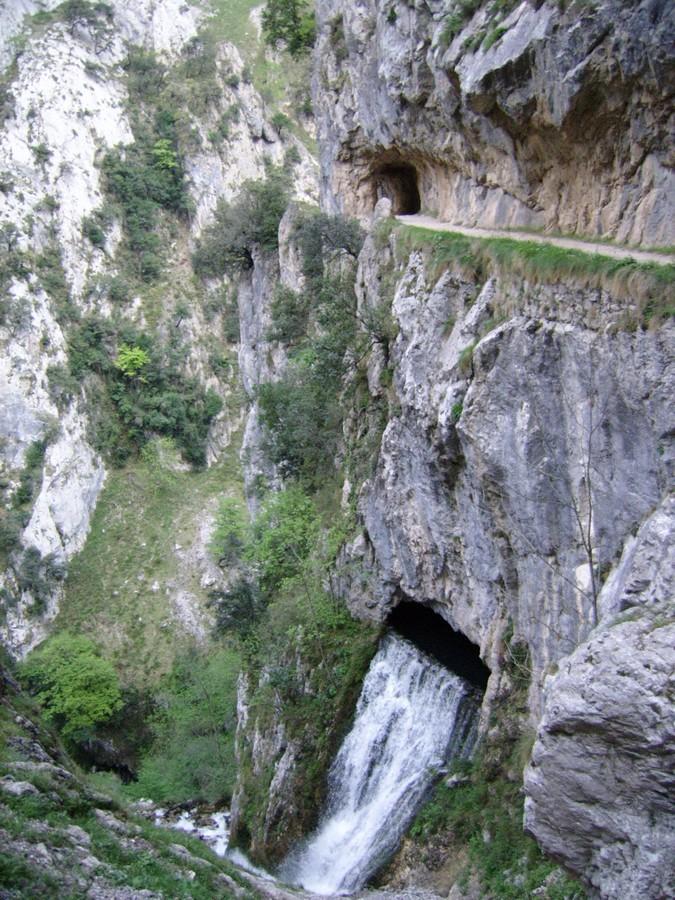 ruta-cares_asturias_espana_SSA50090